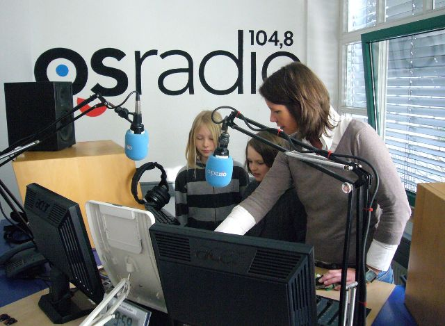 Lea und Laura im Studio